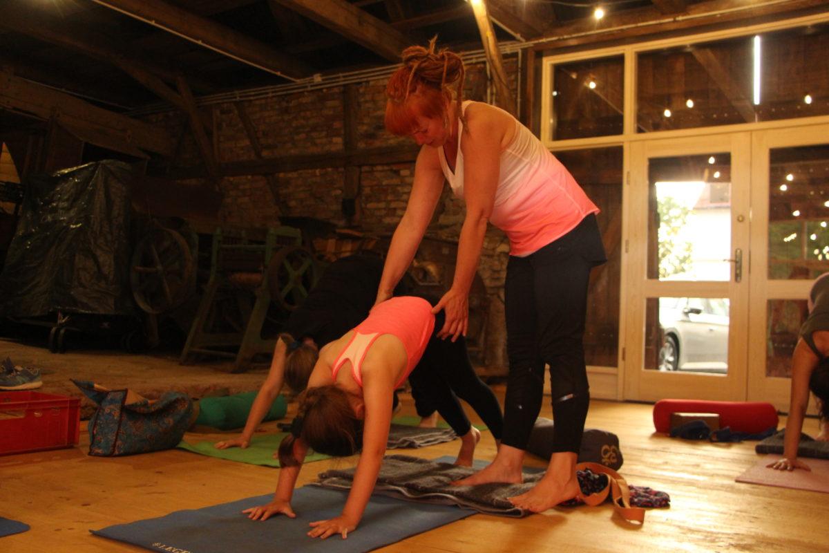 Hata Joga - joga dla małych i dużych @ Gościniec Pod Gruszą | Stara Kraśnica 9